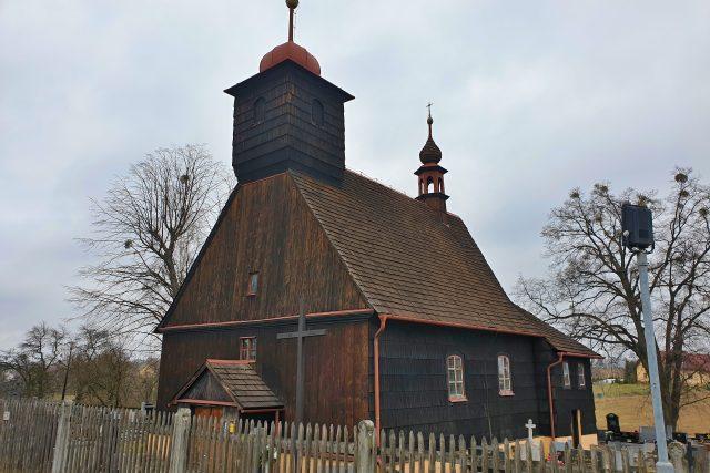 Unikátní dřevěný kostel sv. Michaela v Řepištích
