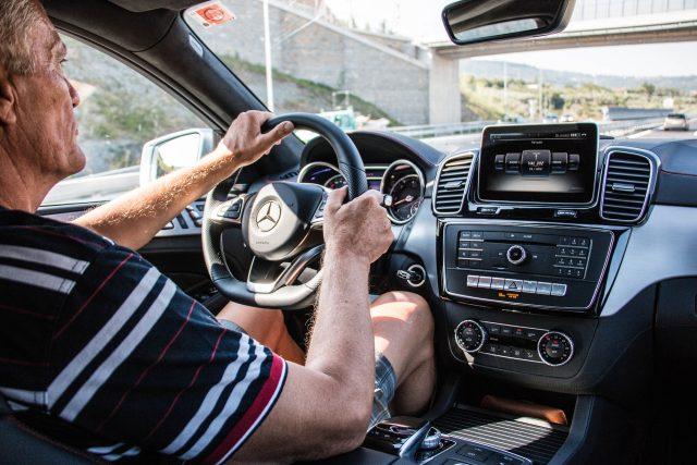 Řidič auta (ilustrační foto)