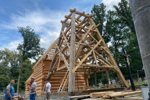 Rekonstrukce vyhořelého kostela v Gutech | foto: Tomáš Pika,  Český rozhlas,  Český rozhlas