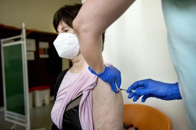 Očkování proti onemocnění Covid-19   foto: Michaela Danelová,  iROZHLAS.cz
