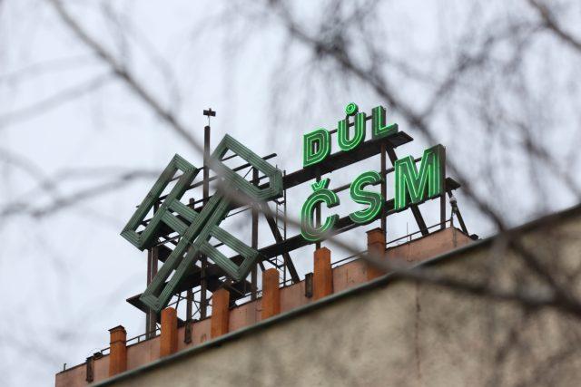 Znak Dolu ČSM Sever ve Stonavě na Karvinsku. Při výbuchu 20. prosince 2018 zemřelo v dole třináct horníků