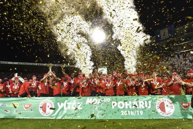 Fotbalisté Slavie po zisku Mol Cupu
