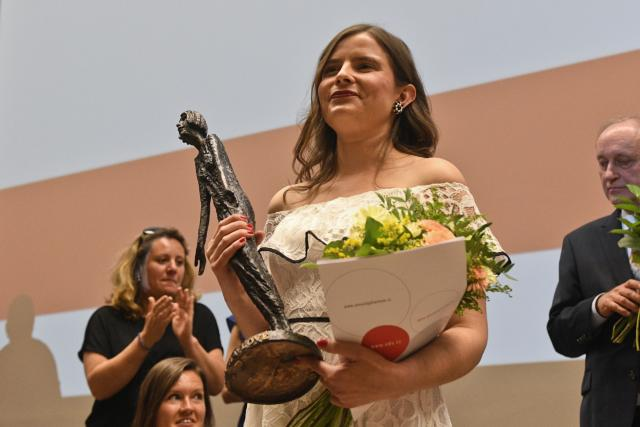 Letošní Cenu Olgy Havlové získala Tereza Nagyová za svou osvětovou činnost o životě se stomií