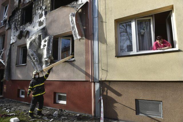 Výbuch požárů v ostravském panelovém domě