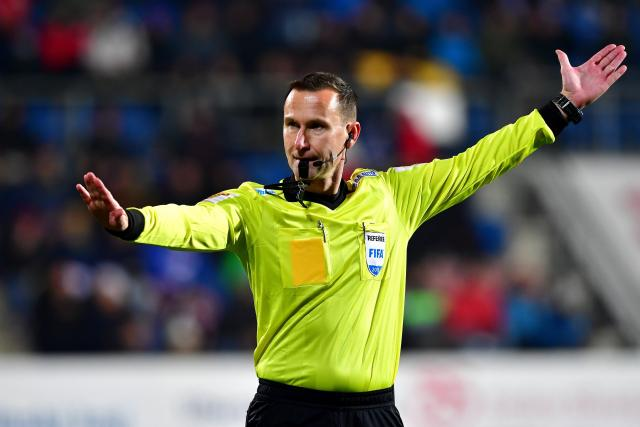 Uznávaný fotbalový rozhodčí Radek Příhoda  | foto: Pavel Mazáč / CNC,  Fotobanka Profimedia