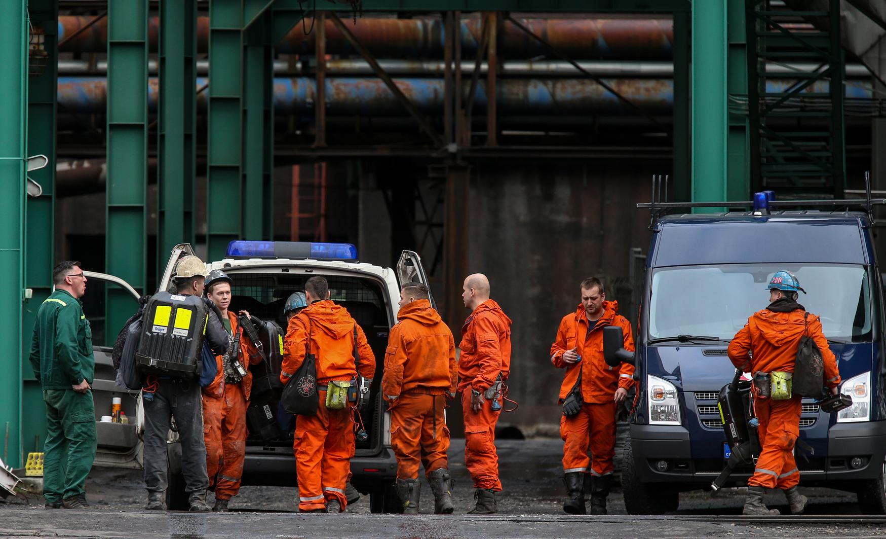 Bánští záchranáři zatím vyprostili celkem čtyři těla